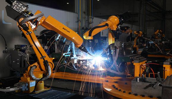 厉害了绿源!行业首家焊接机器人流水线投产成功